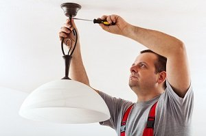 Local Electrician Explains Why House Lighting Often Flickers