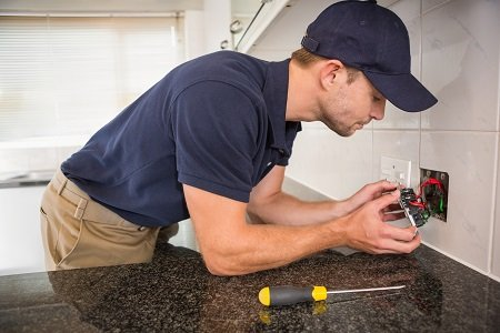 How To Hire a Myrtle Beach Electrician