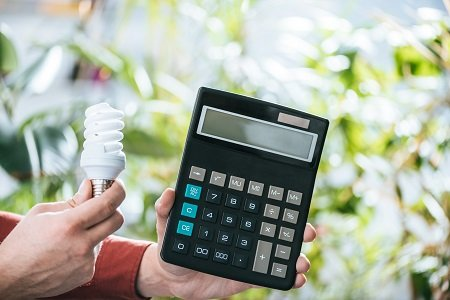 Electrician's Practical Guide To Lowering Electricity Expenses