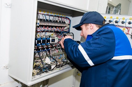 How Can A Commercial Electrician Help Your Business Save Cash