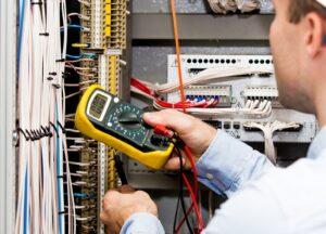 electrician-3-300x216.jpg